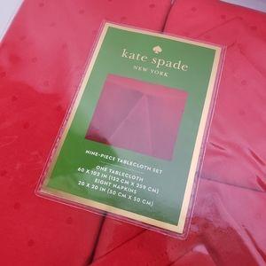Kate Spade Chriatmas Red Tablecloth Setk